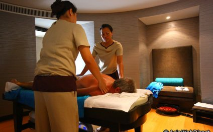 Nuru body Massage